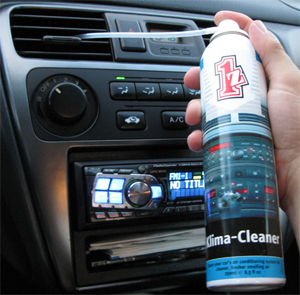 1Z einszett Klima Clean cleans air ducts in vehicles.