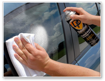 Detailer's Krystal Vision Glass Cleaner Aerosol is a thick, foaming glass cleaner that leaves a streak free finish