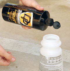 Detailer's Pro Series DP Xtreme Foam Formula works with foam guns and foam cannons.