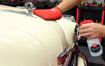 Use Griot's Garage Speed Shine as the perfect lubricant with Griot's Garage Fast Surface Prep!