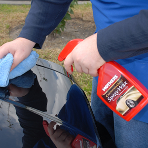 Mothers California Gold Spray Wax instantly shines and protects the paint.