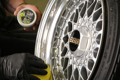 Auto Finesse Mint Rims Wheel Wax makes your wheels shiny while protecting them