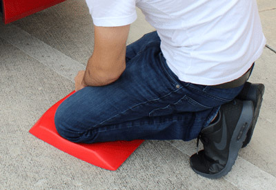 Save your knees with the Autogeek Knee and Back Pad