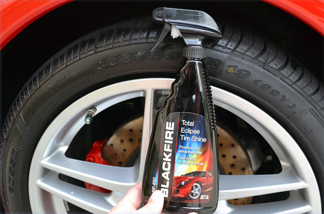 BLACKFIRE Total Eclipse Tire Shine Spray is water based and will not sling