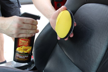 Use this innovative applicatorfor all your detailing needs