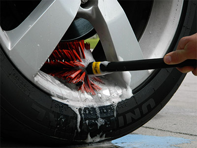 Daytona Speed Master PRO Wheel Brush cleans deep behind the face of the wheel