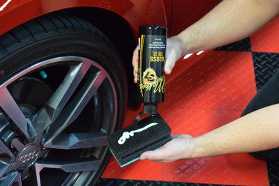 Gloss Tire Gel is a thick gel that does not sling!