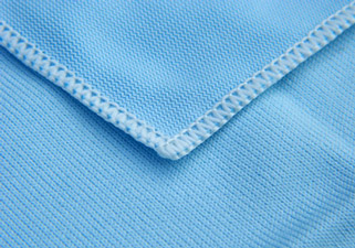 Griot's Garage Glass Cleaning Cloth has a tight weave for grabbing dust and other debris