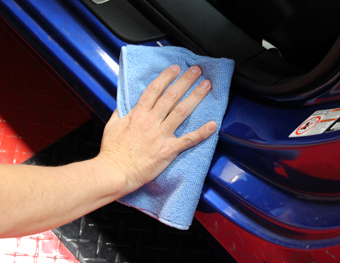 Use blue towels for door jambs