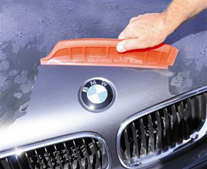 Use the California Jelly Blade to quickly dry your vehicle.