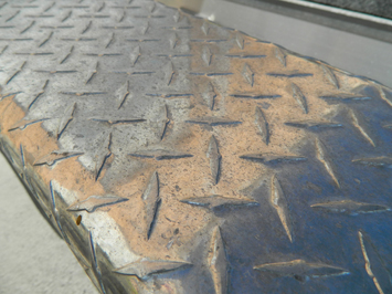 Marine 31 Finish Cut Metal Restoring Polish makes restoring dull, faded, oxidized metals easier than ever