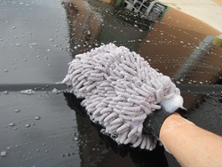 Micro-Chenille microfiber wash mitts are nonabrasives.