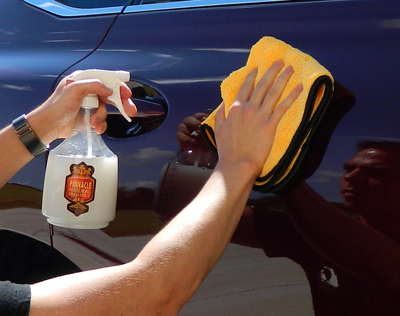 Pinnacle Liquid Crystal Waterless Wash Concentrate with Carnauba is quick and easy to use