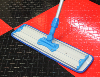 Heavy-duty aluminum construction features durable hook and loop fasteners to attach compatible mop pads