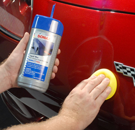 Spread Sonax Nanotechnology Liquid Wax over the paint evenly.