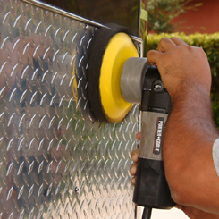 Spread the metal sealant on the metal at a low speed.