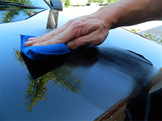 BLACKFIRE Gloss Enhancing Polish can be applied by hand or machine