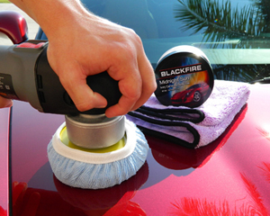 The Deluxe Blue Bonnet is perfect for removing dried on waxes and sealants with your DA polisher