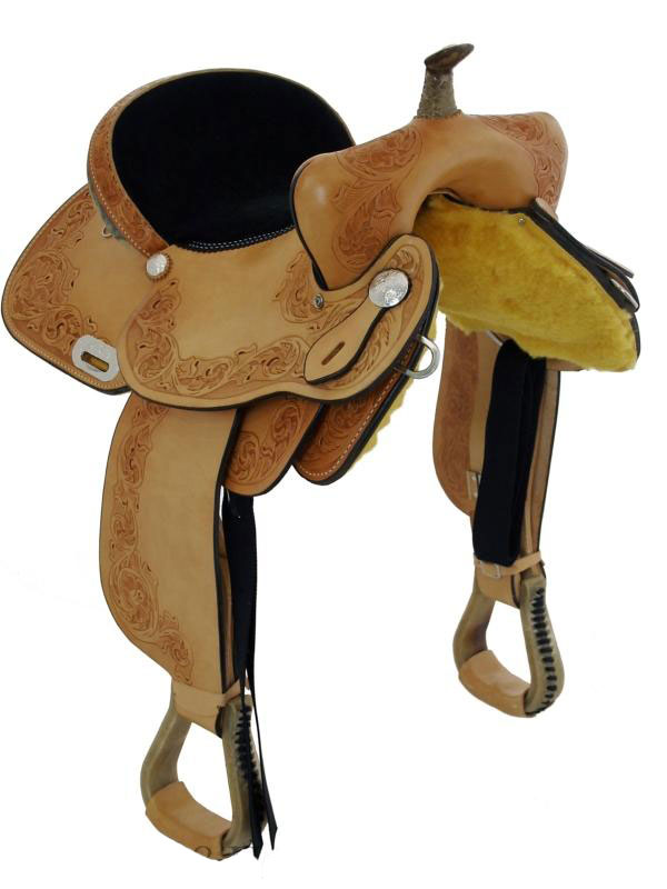 Front view of Dakota Barrel Racing Saddle 470