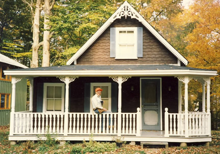 example of small cottage porch photo 108