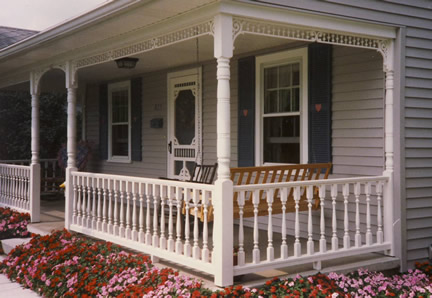 Close-up - Porch Photo 3