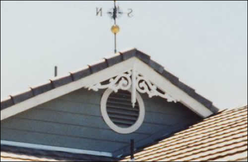 Close-up of Gable Photo 27