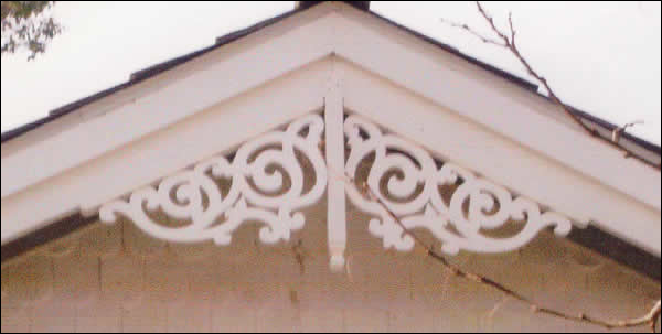 Close-up of Gable Photo 28