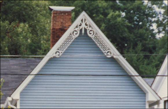 Close-up of Gable Photo 32