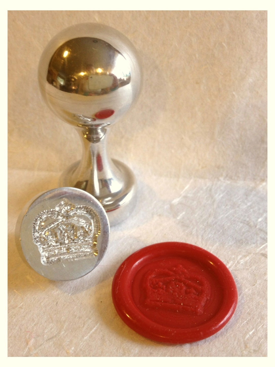 The Queen's Crown wax seal