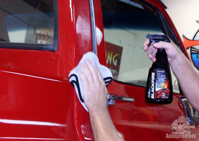 BLACKFIRE Midnight Sun Carnauba Spray Wax creates a deep glossy finish that is super slick