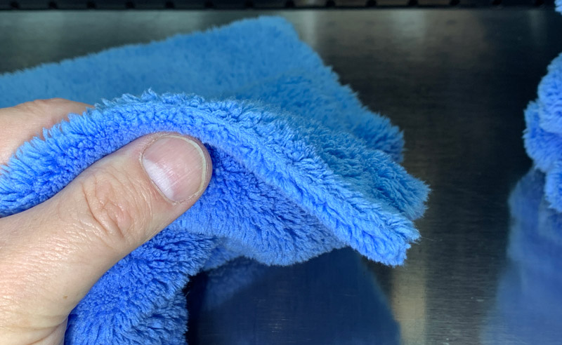 Shot showing that the towel has no edge.