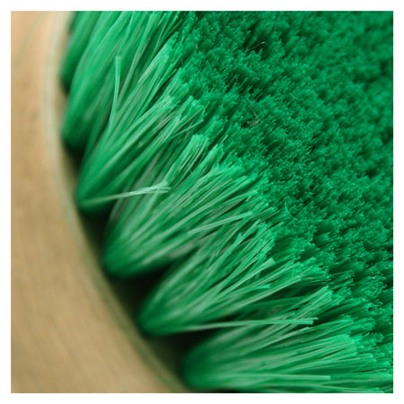2 inch featherd bristles help to dig deep into the convertible top for a thorough cleaning.