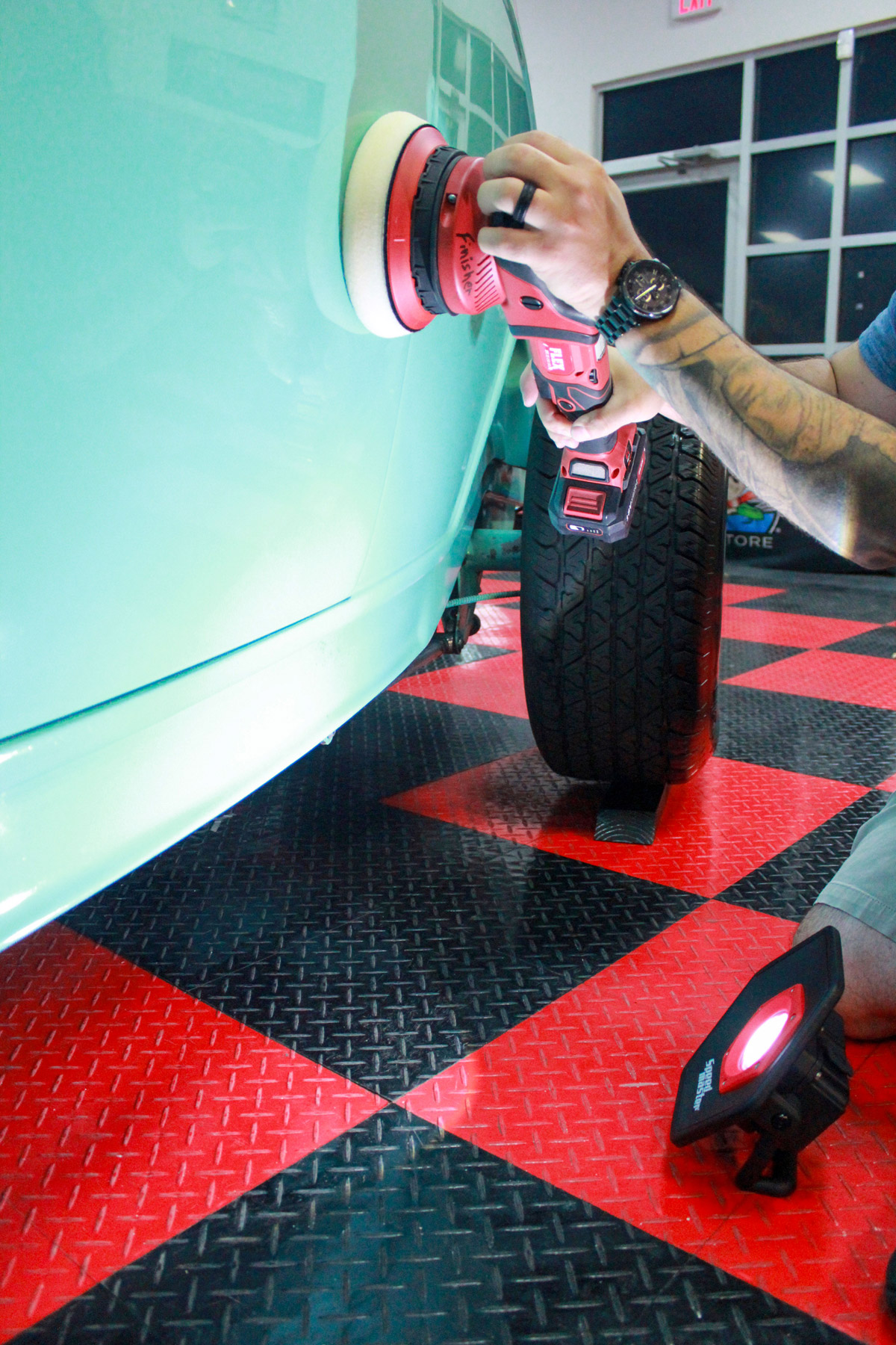 The powerful illumination of the Speed Master Swirl Finder Detailing Light Pro will allow you to correct every little mark and swirl in your car's paint!