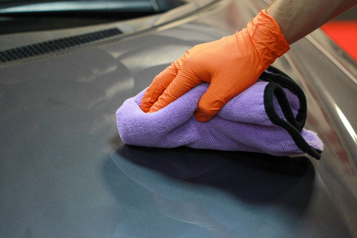 After allowing it to cure for 15 minutes, use a soft, clean microfiber towel to buff off the haze to a high shine.