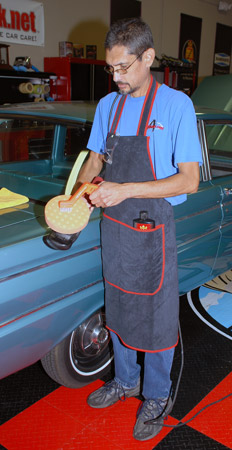 The Microfiber Detailing Apron has pockets so you can store all your essential detailing supplies