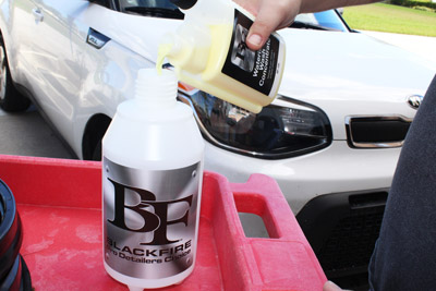 BLACKFIRE Waterless Wash Concentrate provides a quick, easy way to wash your vehicle without a hose and bucket