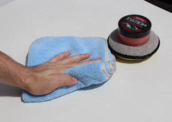 Removes waxes without linting