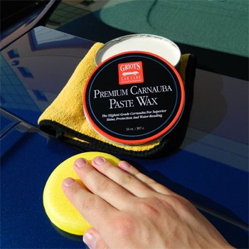 Griot's Garage Premium Carnauba Paste Car Wax.
