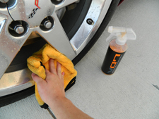 Chemical Guys Hybrid V7 Spray Sealant protects wheels.