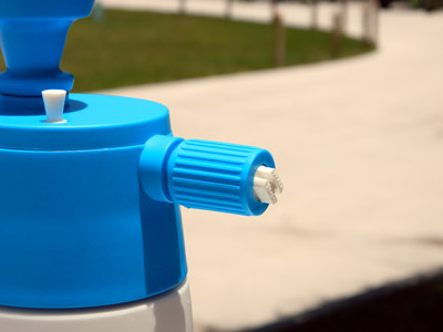 The adjustable nozzle allows you to choose your preferred stream.