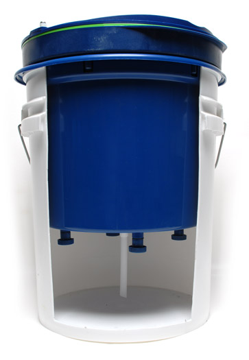 The System 3000 Deluxe Pad Washer cleans all types of foam, wool, and microfiber buffing pads!
