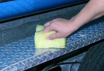 Marine 31 All In One Non Skid Sponge restores metal surfaces!