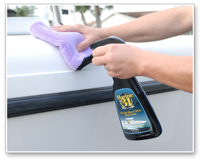 Marine 31 Gel Coat Wax & Shine Detail Spray renews the shine and protection of your boat wax