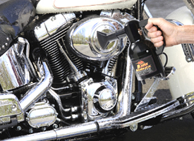 Air dry your motorcycle with the compact SideKick.