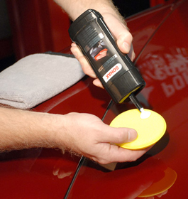 Apply SONAX Premium Class Paint Cleaner by hand or with a polisher.