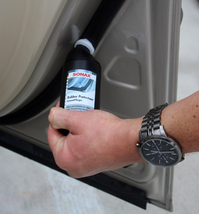 SONAX Rubber Protectant keeps door seals hydrated!