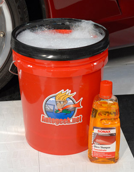 The Autogeek Wash Bucket with a Grit Guard Insert is a great choice when you wash with Sonax Gloss Shampoo Concentrate.