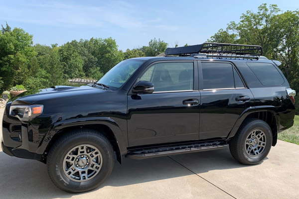 My wife's 2020 4RUNNER Venture in midnight black metallic. The results are fantastic and it shows in the photos. Appreciate your company and its products! - Photo and detail by Steven Z. of Lawrenceburg, IN.