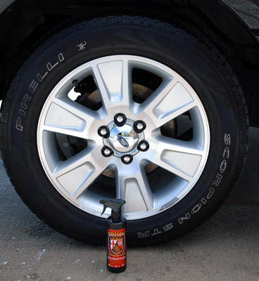 Wolfgang Über Wheel Cleaner creates a sparkling clean finish on all wheels!