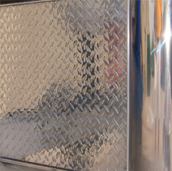 Wolfgang MetallWerk Aluminum Compound restores oxidized bare aluminum.
